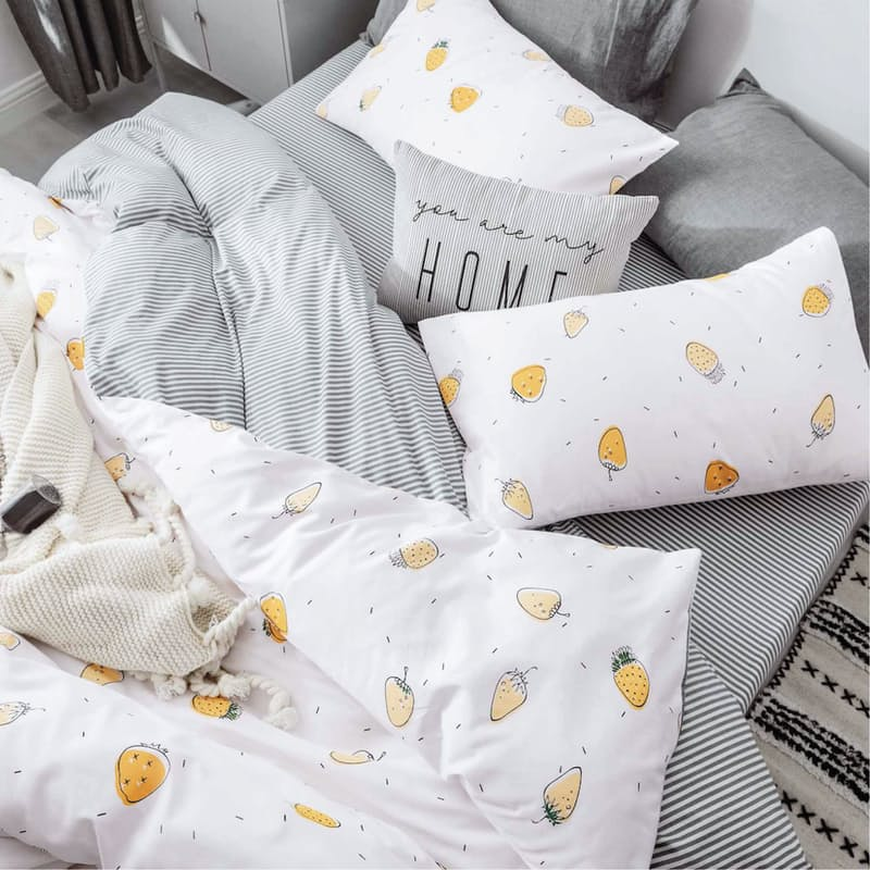 Strawberry - Styling suggestion, Only Duvet & Pillow Covers Included